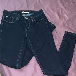 Levi jeans. Super skinny. Mid rise. Size 28